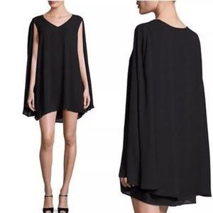 Romeo + Juliet Couture V Neck Cape Shift Dress S